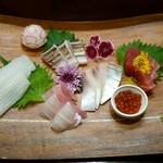 割烹霜田 - 刺身五種盛り 1,600円
