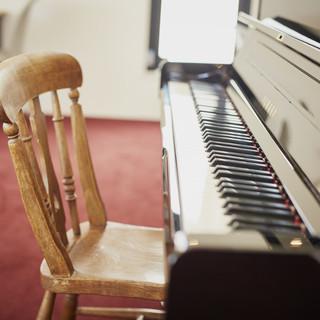生ピアノの音色をBGMに
