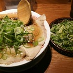 よってこや - 料理写真:【2017.1.5】京都濃厚醤油ラーメンと京ねぎザル盛