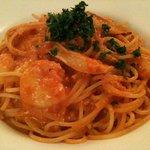 トラットリア ヴォーノ - ぷりぷりエビとエリンギのトマトクリームスパゲッティ アップ