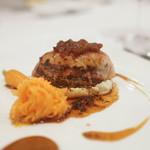 レストラン シュバル ブラン - 鴨肉を名古屋コーチンで包み