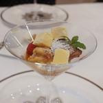 レストラン シュバル ブラン - チョコレートのムース、オレンジのアイスクリーム