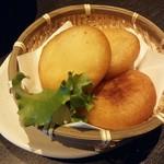 60862345 - カマンベールチーズのポテトもち【2016.12】