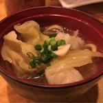 焼肉・塩ホルモン 三ちゃん - 白菜がホクホク