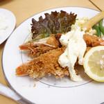 味一 - 2013年5月 エビフライ定食。タルタルが…(´Д`)