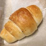 ベーカリー・カフェ・クラウン - 小粒塩バター