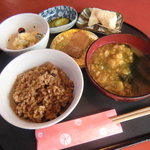 和のみ - 玄米酵素に小鉢が4種さらに昆布茶がセットです