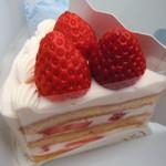 60876075 - 苺のショートケーキ・ルージュ