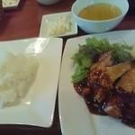 丸鶏FUJI - ジャンクチキンステーキ