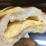 60879738 - クリームパンのクリームは本格的♡