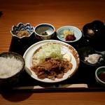 おつぼ - 日替わり定食(970円)に豚の生姜焼き