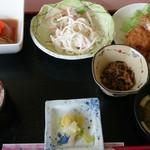 御食事処 梅の庭 - 料理写真:日替わりランチ