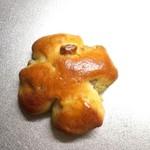 60882699 - くるみパン。