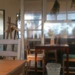 CAFE&BAR ひとこぶらくだ - 店内席