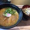 帯広豚丼・つけ麺 甚平 - 料理写真:とんこつラーメンと豚丼セット