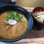 帯広豚丼・つけ麺 甚平 - とんこつラーメンと豚丼セット