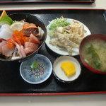 水産食堂 - 2010-11-30 海鮮丼900円