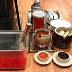 ラー麺 ずんどう屋 - 無料トッピングの辛味噌&生ニンニク
