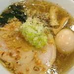 創彩麺家 野の実 - 煮玉子醤油らぁ麺   アップ
