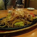 酔虎伝 - 伝統の味鉄板焼きそば豚