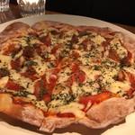 バー チェロキー - トマト&バジルピッツァ