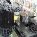 弘前の煮たまご屋 - 秘伝の煮汁で煮たまごを作る店主