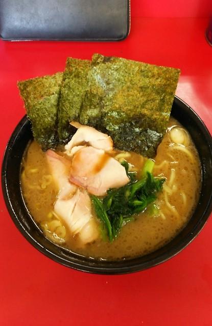 高松家 - ラーメン650円麺硬め。
