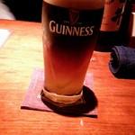 60912058 - ギネスビール、ハーフ&ハーフで