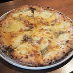 BALORICCO - ゴルゴンゾーラと胡桃のピッツァ 蜂蜜掛け