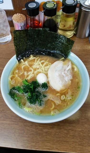 ラーメン壱六家 磯子本店 - ラーメン650円麺硬め。