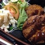 リバー - メンチカツ定食 780円