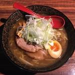 麺屋 しん - 焦がし醤油ラーメン750円、クーポンねぎトッピングです。