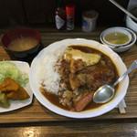 ハンバーグこが - ハンバーグカレー(サラダ、デザート付)750円 ライス、お味噌汁おかわり無料