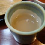 神通町 田村 - 蕎麦湯は猪口で提供される