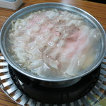 長白小館 - 料理写真:酸菜白肉火鍋 2人分980元