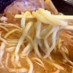 麺屋 空海 - 麺は平打ちのモチっと麺