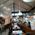 神戸屋レストラン - スタイリッシュな空間