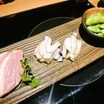 博多もつ鍋 おおやま - 前菜三種盛り