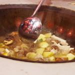 東方紅 - 鍋調理風景