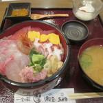 60957893 - 海鮮丼