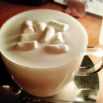 カフェザグローブ - マシュマロホットミルク