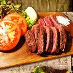 浅草鉄板太郎 - 大人気のハラミのステーキ!180gの迫力あるボリュームでワインとよく合います!!美味しいお肉と美味しいワインは素敵な夜を演出します。
