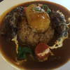 いーとん - 料理写真:二つのビーフ肉塊とジャガイモはインパクトある