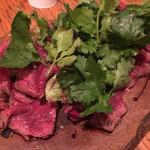 肉ビストロ モニ - 蝦夷鹿の温かいカルパッチョ