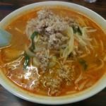 麦香村 - 料理写真:辛味噌ラーメン