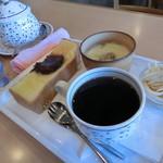 マイフレンド - 料理写真:ホットコーヒー。370円。