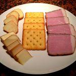 らいぶ ばあ まいける - 自家製スモークハム・チーズ