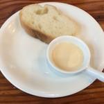 滋魂 - 限定麺の味変用ミルク