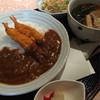 東天閣 - 料理写真:海老フライカレーと半ラーメン