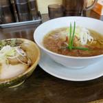 手打ち麺 やす田 - カツオ「醤油」700円+焼豚丼(小)300円